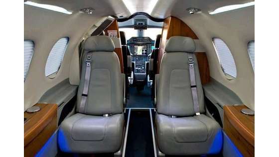 aircraft-private-jets-embraer-phenom-100-353721_9209e410f080847c_920X485.jpg